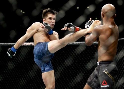 سایت شرط بندی ایرانی UFC